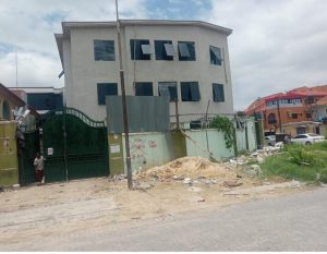 TO LET: OPEN PLAN OFFICE AT LEKKI PHASE 1  (85% Completed with a nice fittings)